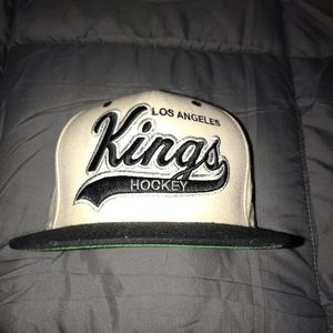 Kings Mitchell and Ness snap back